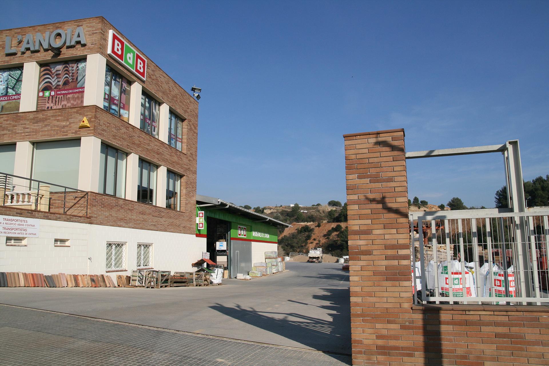 Instal·lacions del magatzem de la construcció Materials de l'Anoia