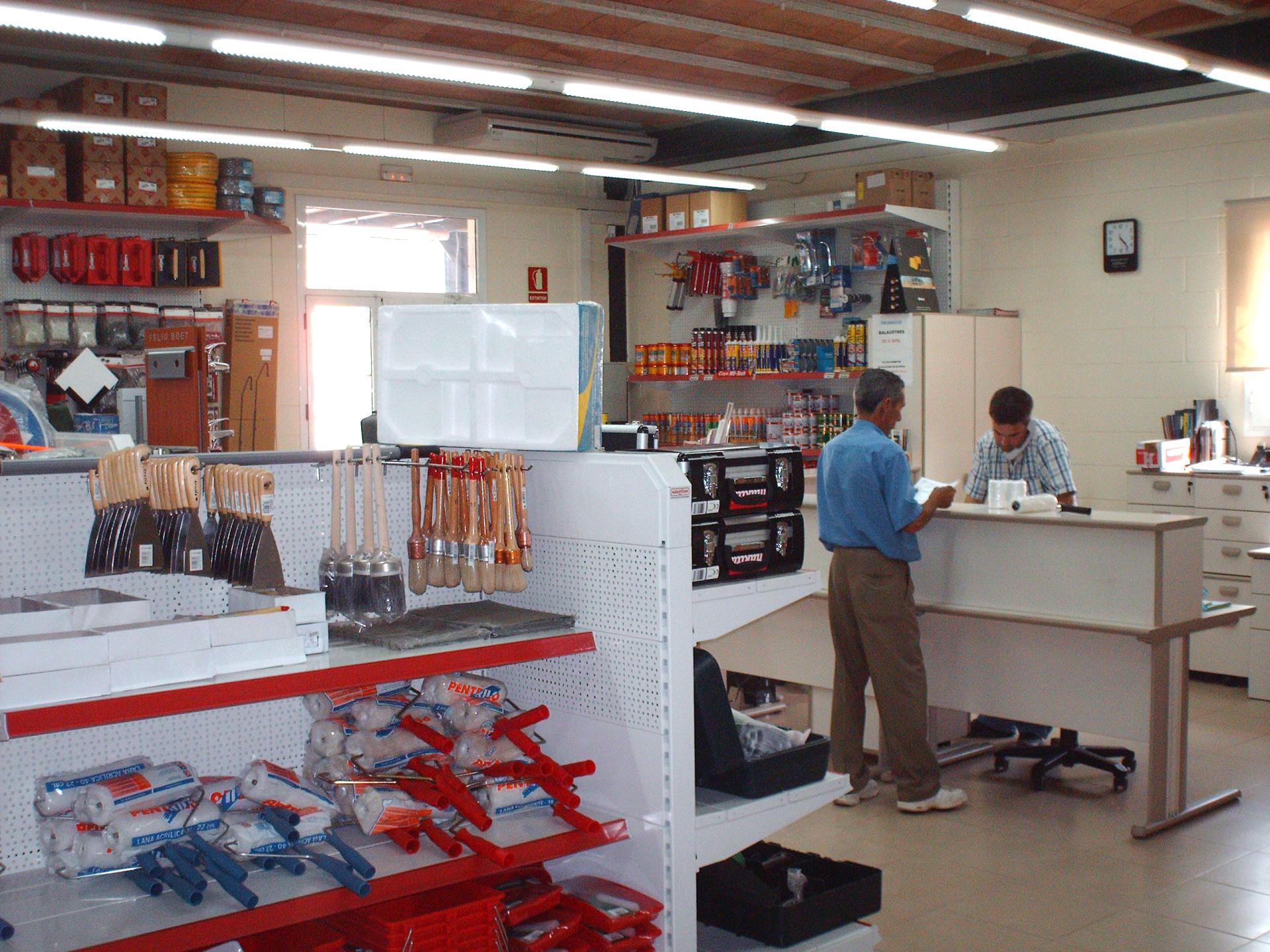 Servei d'assessorament del magatzem de la construcció Materials de l'Anoia