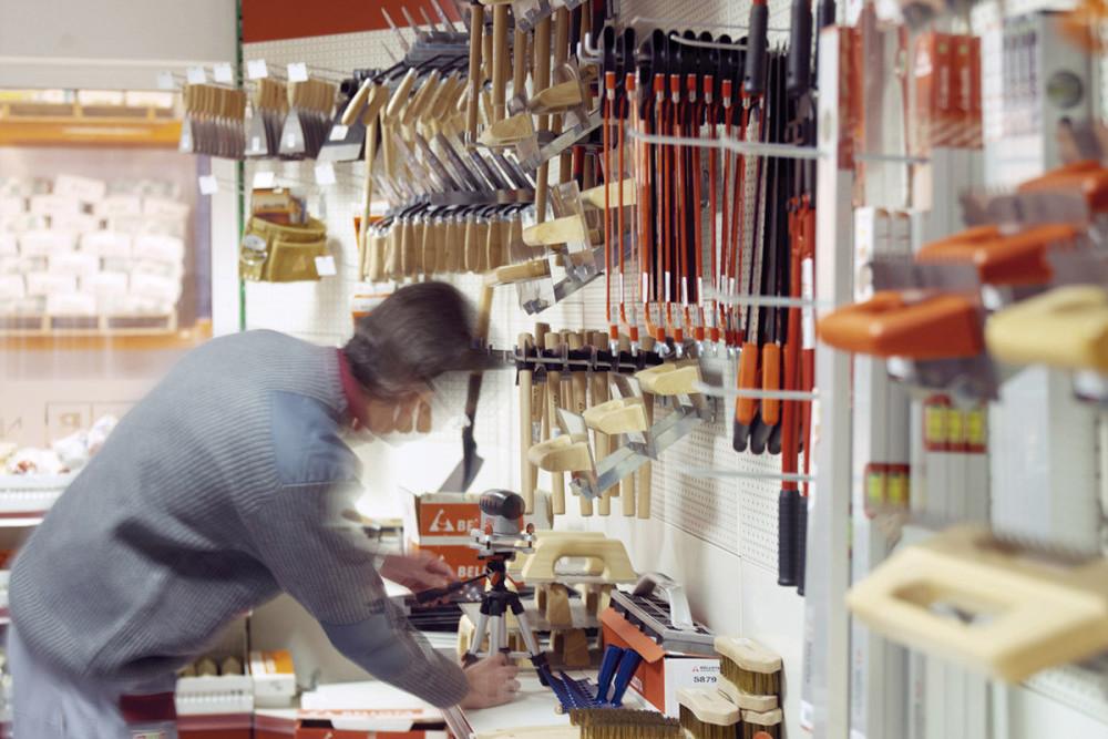 Eines manuals del magatzem de la construcció Materials de l'Anoia